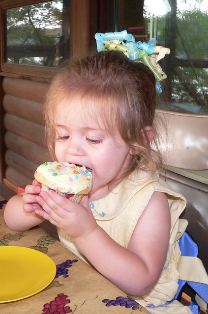 Contrary to potential opinion, we did NOT deliberately coordinate Sam's birthday cupcakes to her outfit.